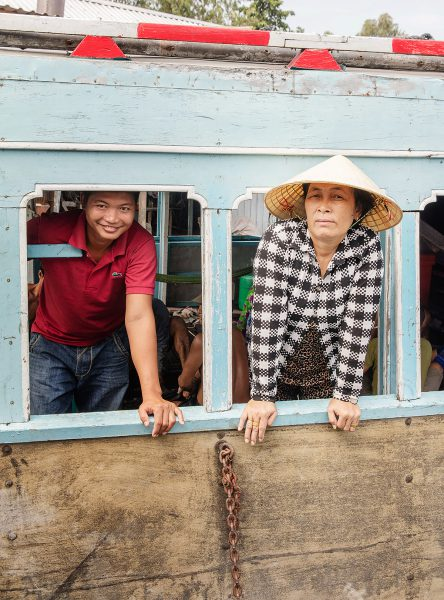 Nón lá ( conical hat ) , Vietnam.